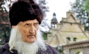 movie-monastery-vig-and-nun-still-mask9